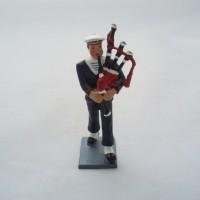 CBG Mignot bagpipe Bagad Lann Bihoue winter figurine
