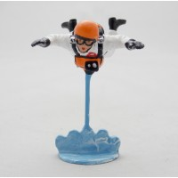 CBG Mignot cross-country skier figurine
