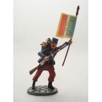Soldato di fanteria di figurina Atlas trasporta infantryman bandiera agosto 1914