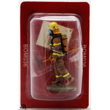 Del Prado firefighter fire Quebec Canada 2003 outfit figurine