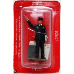 Del Prado firefighter County of Sufolk USA 2003 figurine